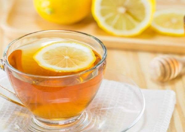 Uống 1 ly nước chanh mật trước bữa ăn để thúc đẩy giảm cân