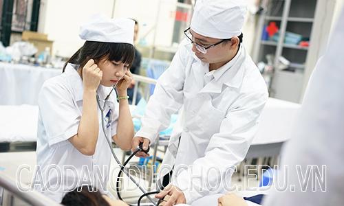 Khi tốt nghiệp Cao đẳng Điều dưỡng sẽ làm những công việc gì?