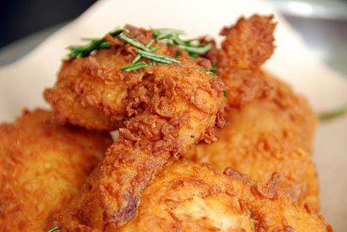 Người bệnh đau dạ dày không nên thức ăn chiên xào nhiều dầu mỡ