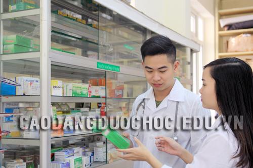 Sau khi học Văn bằng 2 Cao đẳng Dược có được mở quầy thuốc?