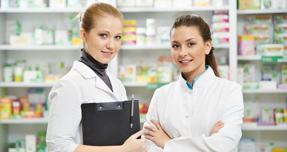 Theo học Cao đẳng Dược đang là xu hướng lựa chọn của giới trẻ